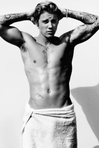 04-towel-series-mario-testino-large