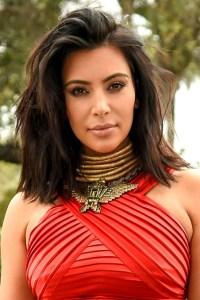 Kim-Kardashian-Glamour-090215-PA_b_452x678